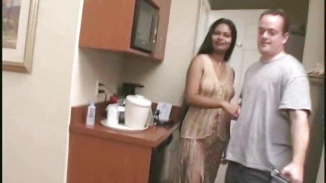 LOAN4K. Schönes Modell in Dessous akzeptiert sex nackte alte hausfrauen für Bargeld im Büro