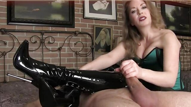 Freche Sekretärin geil bei nackte reife geile frauen der Arbeit