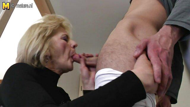 's Gesicht nackte damen ab 50 & Cums In Den Mund!