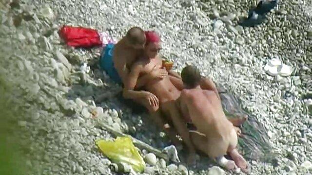 Big titted hentai catgirl reitet reife frauen angezogen und nackt harten Schwanz
